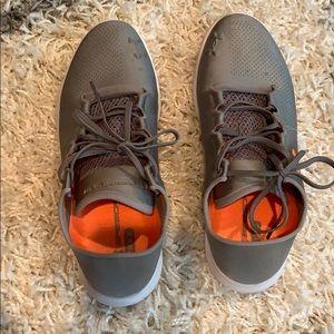 Under armour sneakers- speedform size 8.5